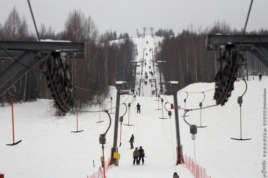 Давайте добавим немного позитива. В Губахе есть хороший горнолыжный комплекс, не Куршавель, но тоже ничего. Приезжают покататься даже из Московской и Ленинградской областей.