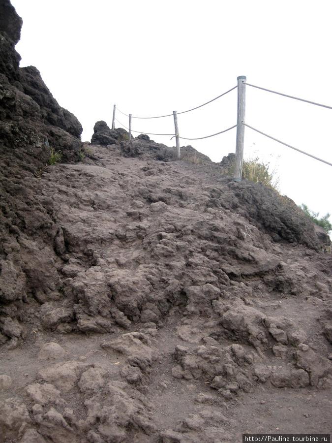 Продолжение дорожки вокруг кратера)