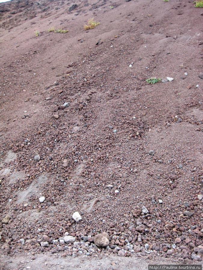 Вулканическая масса на склоне Везувия