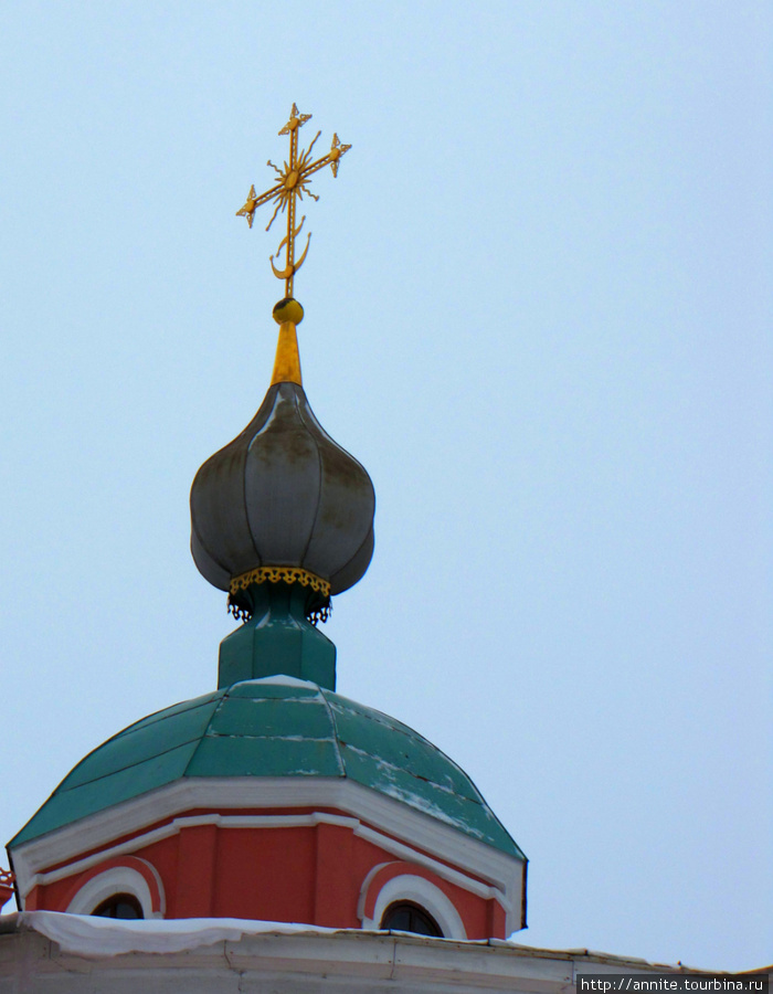 Купола Николо-Ямского храма.
