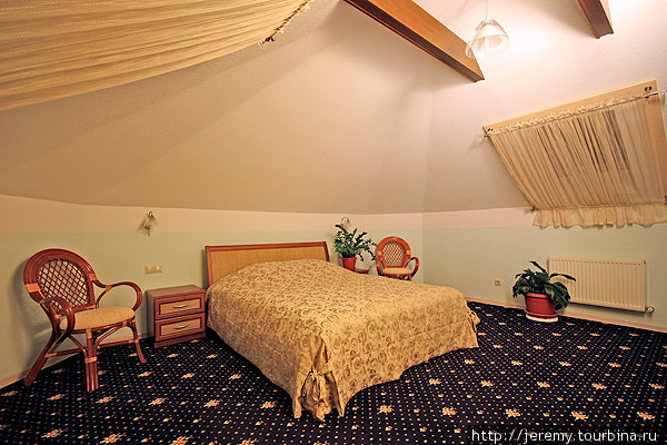 Наш уютный номер! Прекрасная и просторная мансарда!