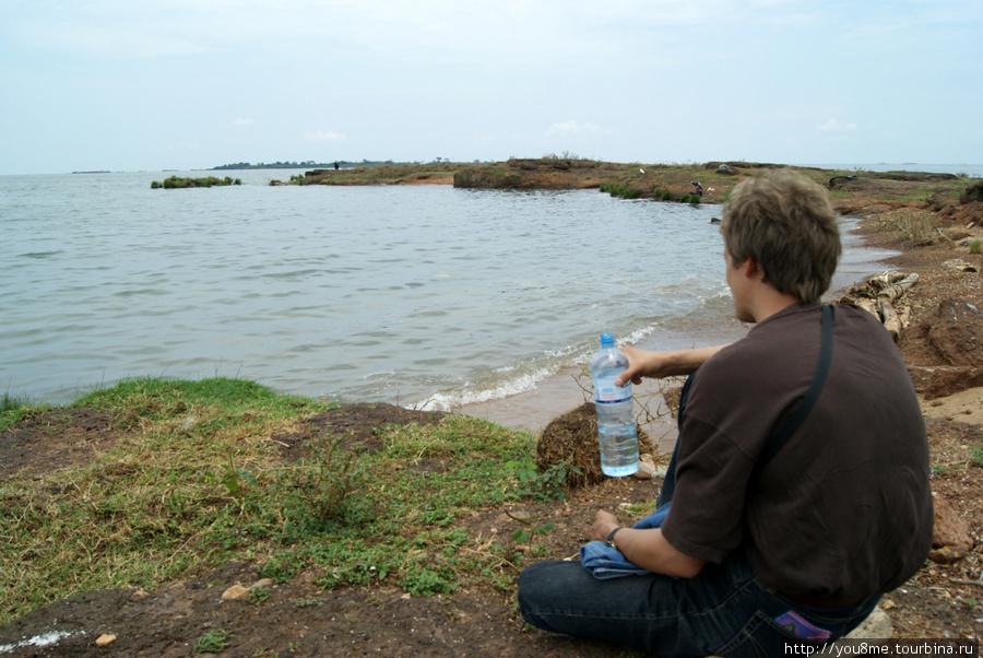 на берегу озера Виктория