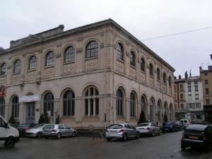 Монументальная постройка