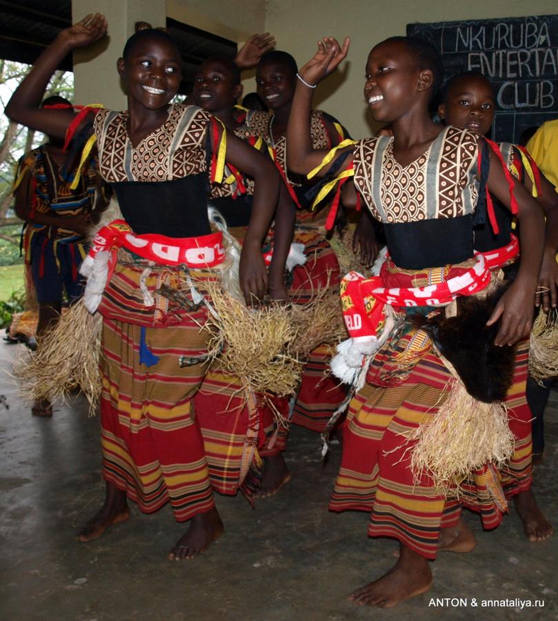 Деревенские танцы на озере Нкуруба