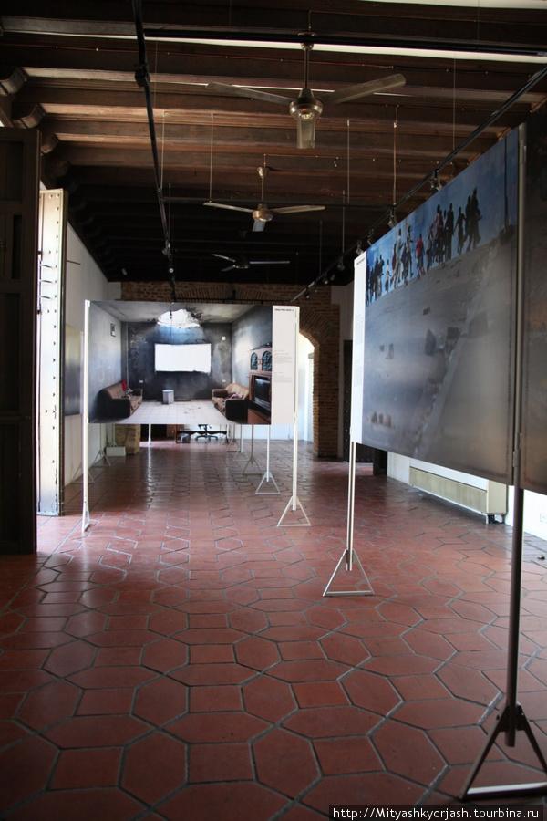 1-й этаж выставки