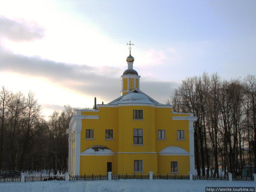 Церковь Ильи Пророка. Вид с Кремлёвского Вала.