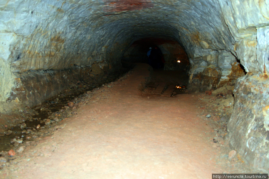 В подземелье.