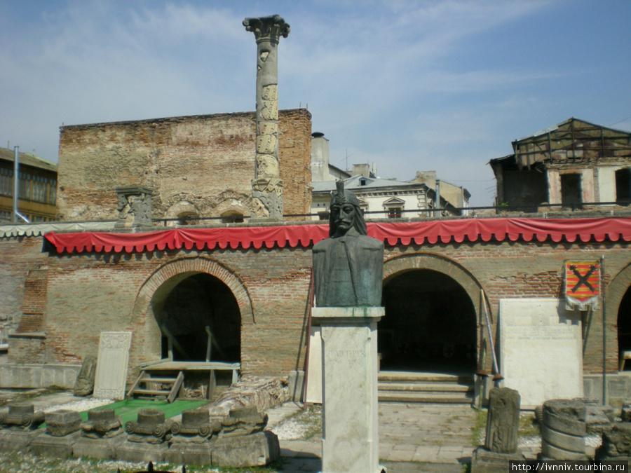 Развалины дворца Влада Цепеша