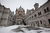 Если у вас не много времени, то можете смело не брать экскурсию в замок.