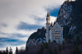 Замок Нойшванштайна стал источником вдохновения при строительстве замка Спящей красавицы в Парижском Диснейленде.
