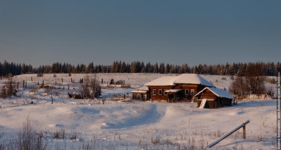 Типичный северный дом. Могу рассказать в картинках про сельскую жизнь на севере.