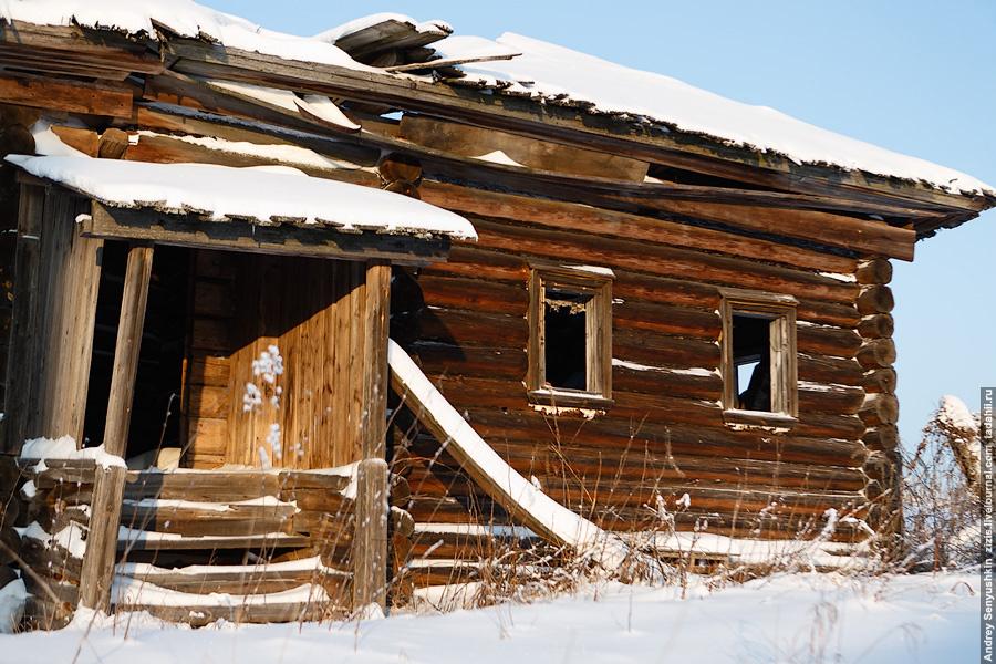 Грустные мысли наводят такие места. Люди жили тут почти пол-тысячелетия, растили детей, выращивали скот, возделывали поля. Вряд ли во времена первых поселенцев тут было проще прожить и были какие-то удобства.
