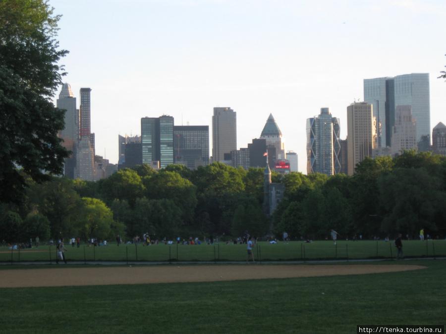 Небоскребы Нью-Йорка. Вид из Центрального парка.