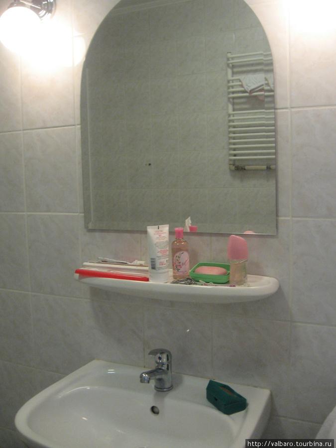 В ванной комнате при желании можно танцевать ( в ней не меньше 8 метров)