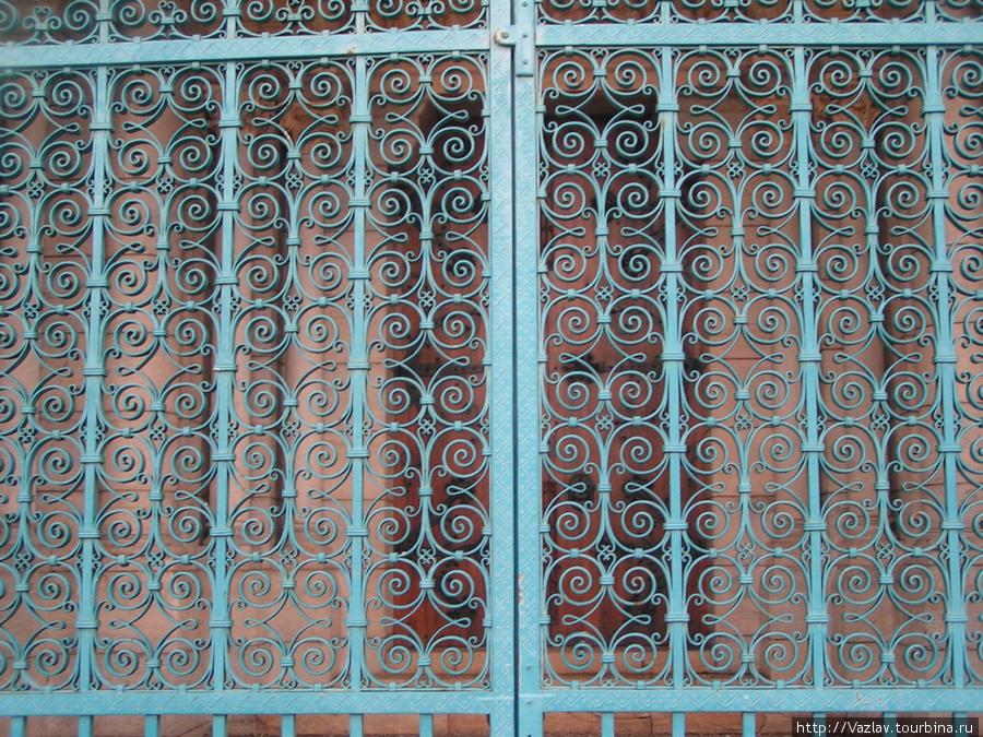 Врата Валанс, Франция