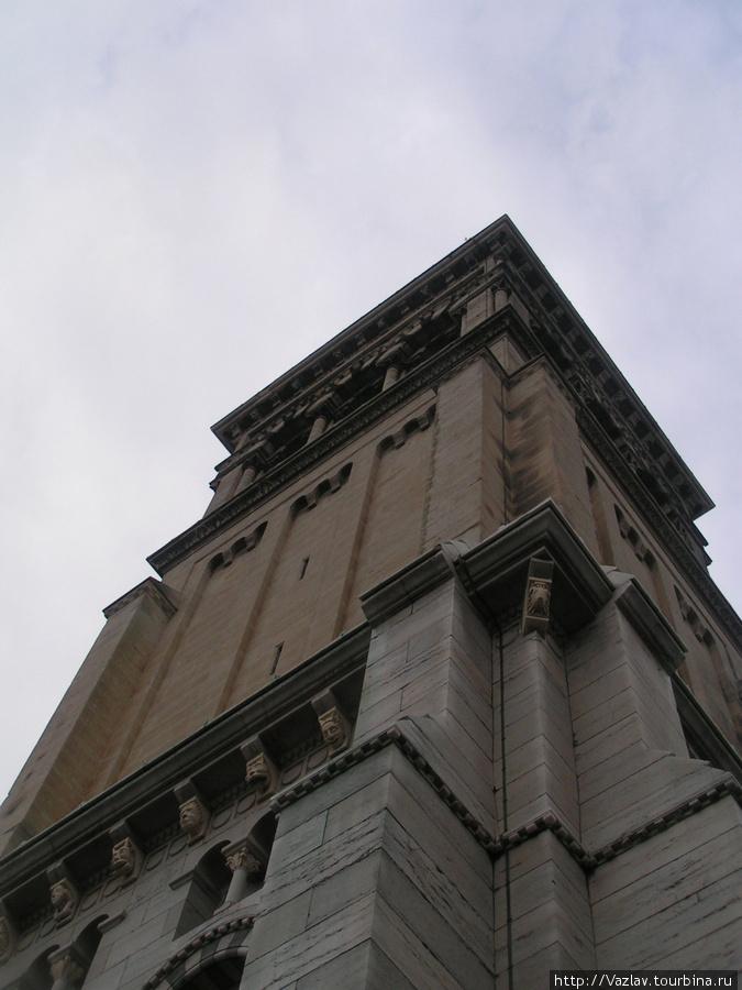 Башня Валанс, Франция