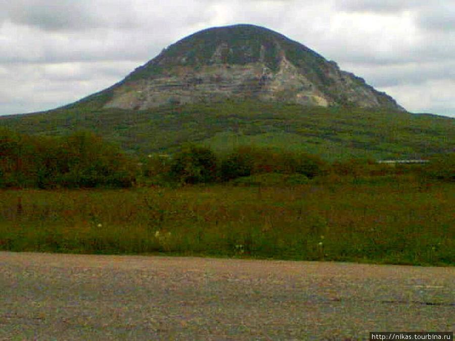 Какая-то гора, по дороге из Железноводска в Иноземцево.