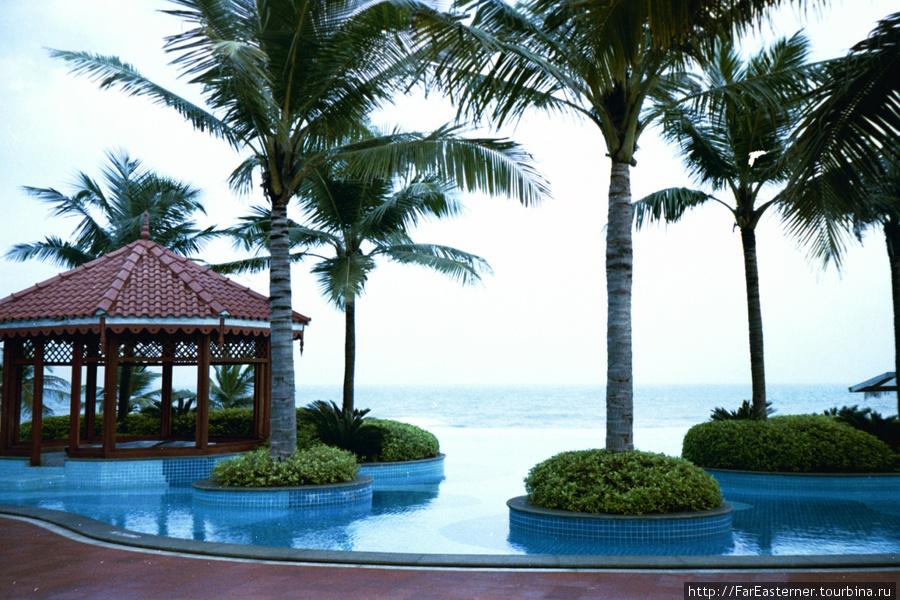 Бассейн Infinity в отеле GRT Temple Bay