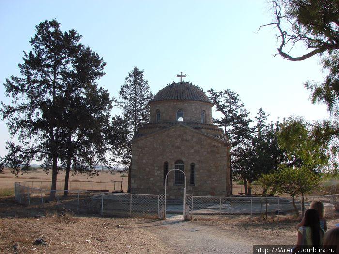 Усыпальница иеромонаха Варнавы, принесшего христианство на остров