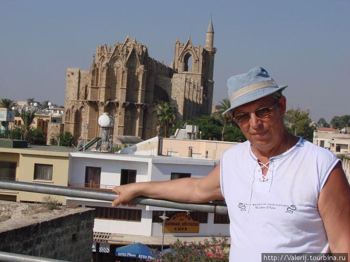 Обезглавленный католический костел — ныне мусульманская мечеть