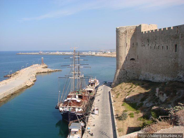 Крепость в Кирении.