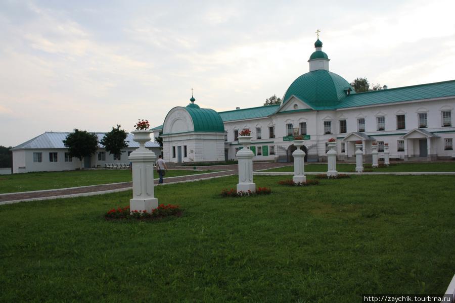 Часовня, построенная на месте где Александру Свирскому явилась Троица