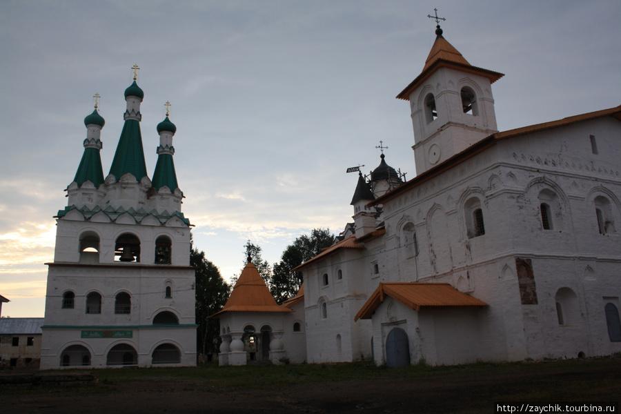 Церковь Покрова Пресвятой Богородицы Троицкой части Александро-Свирского монастыря