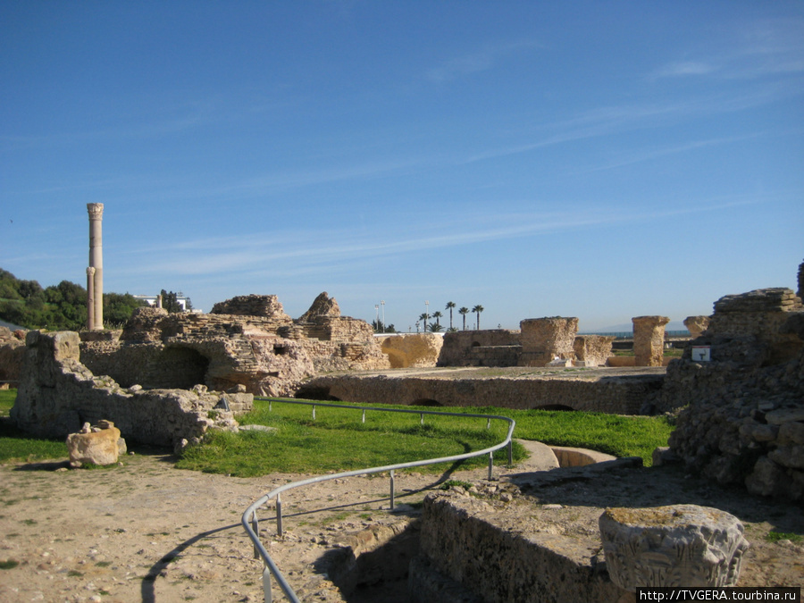 Карфаген — хоть и разрушенный римлянами,но охраняемый ЮНЕСКО.