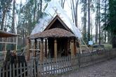 «Избушка на курьих Ножках», 1883г. Беседка построена по проекту В. М. Васнецова.