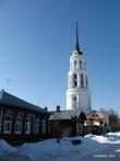 Вид на колокольню с Большой Соборной улицы.