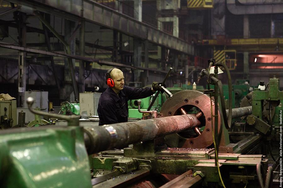Каждый станок предназначен для производства своего вида продукции. Тут штанги одного диаметра…