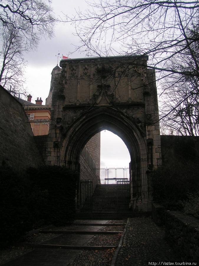 Вот они, ворота...