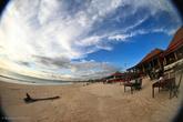 Ресторанчики в Джимбаране находятся прямо на пляже