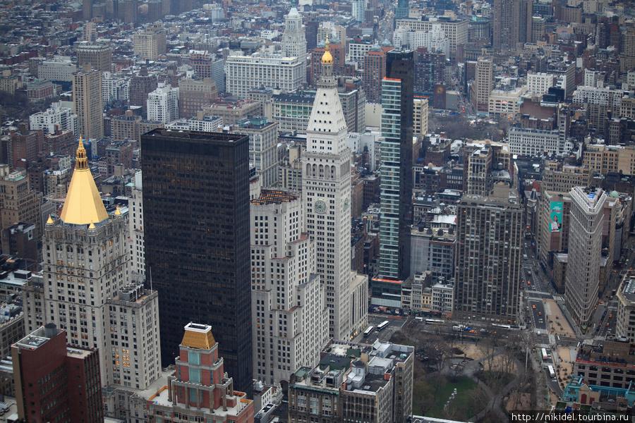 Met Life Tower и Flatron Building