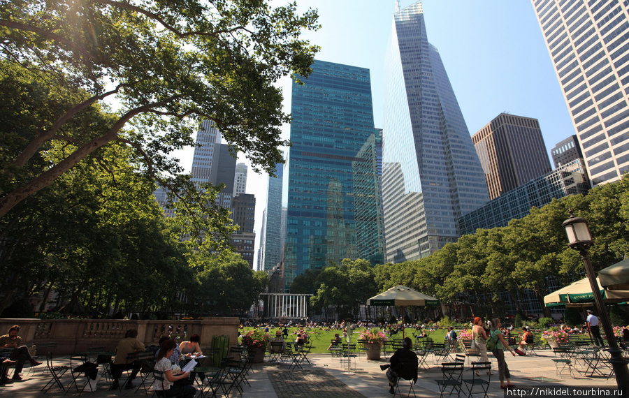 Bank of America Tower с Bryant Park