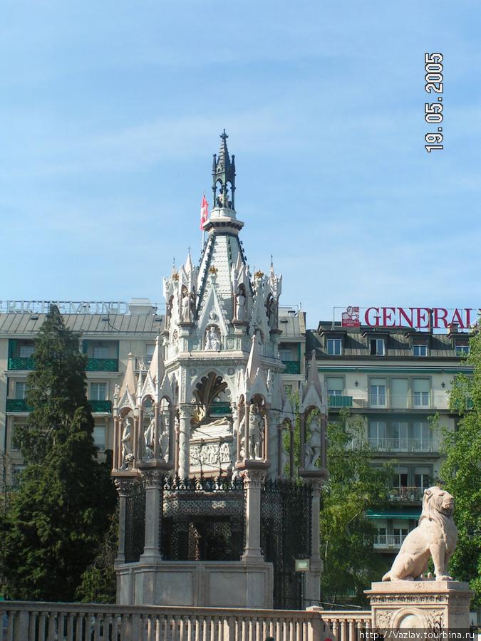 Памятник и его охрана