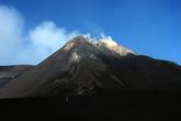 Вот ту красивую, дымящуюся вершину я выбрал в качестве объекта восхождения.
