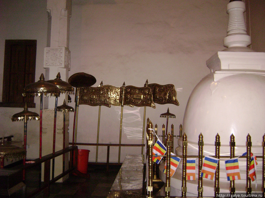 Ступа в храме