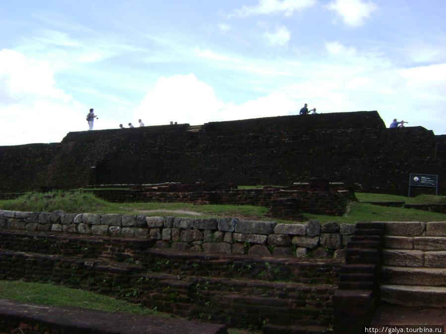 фундамент царского дворца
