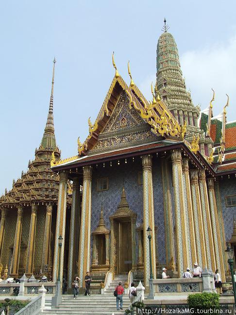Один из дворцов Золотого