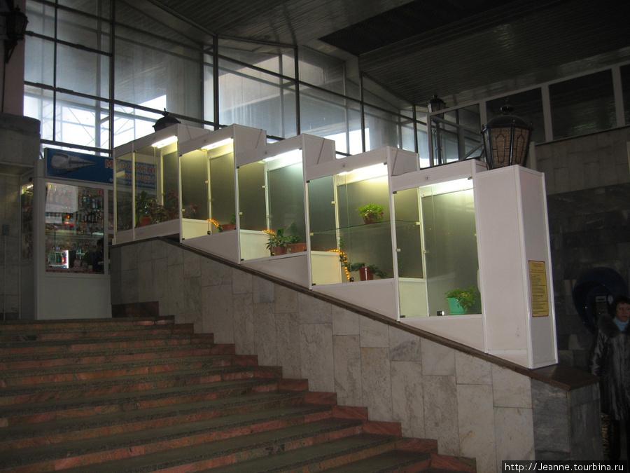 Сургутский жел/дор вокзал