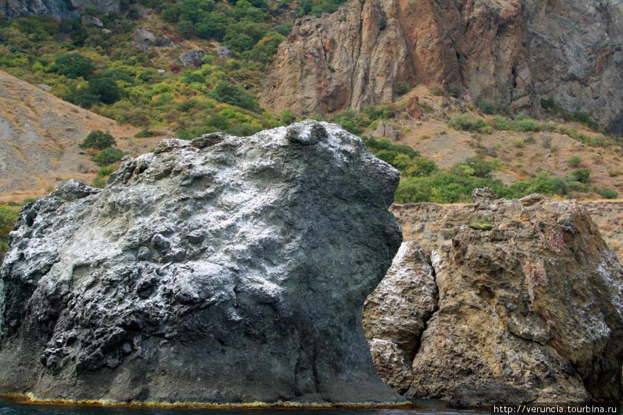 Скалы вулкана Карадаг оче