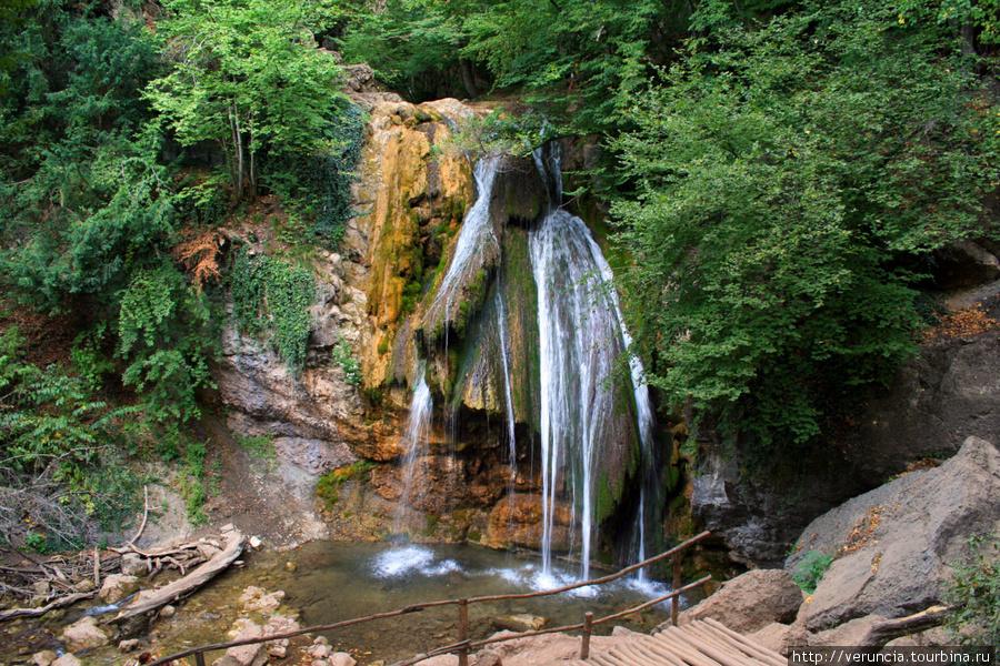 Водопад Джур Джур.