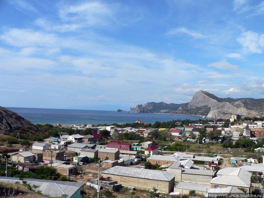 Вид на Судак с горы Алчак