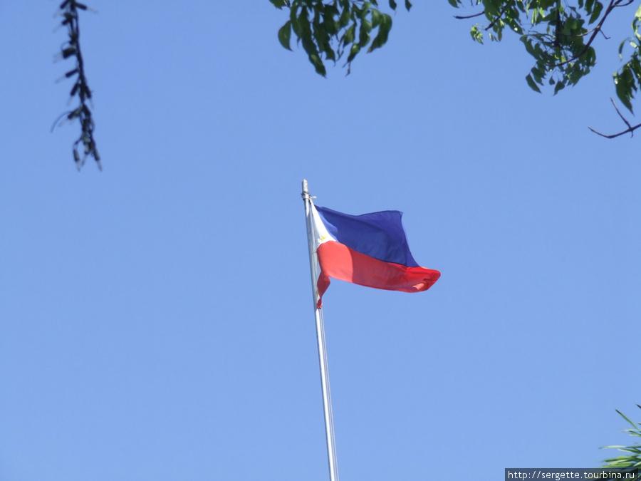 Государственный флаг Филиппин