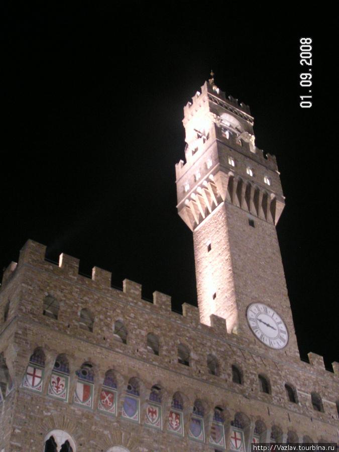Башня дворца