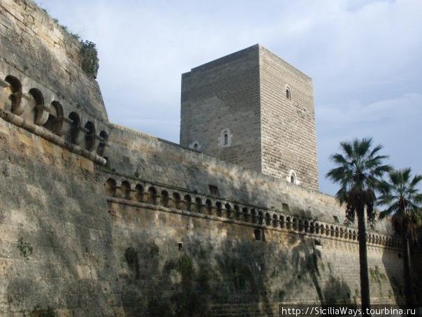 Замок Свевов в Бари