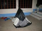 Все филиппинские церкви хороши для ночлега, но от комаров полезно ставить палатку (москитную сетку)
