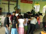 Раздача еды и совместная трапеза после воскресного богослужения