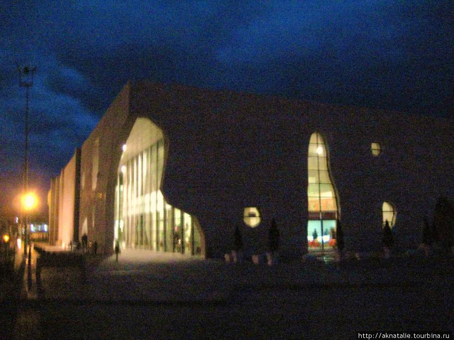 Автобусный терминал в Невшихире, где находится агенство Rock Town, а также несколько других.